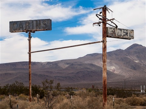 Old Highway 395 Motel Sign (1 of 1)