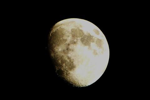 Leica Vlux 3 handhel Moon Shot