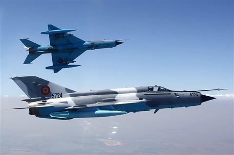 MiG-21 Lancer formation