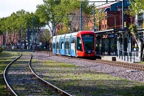 Argentina 06 City Train