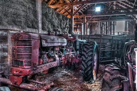 Joel Stern's Tractor Photo_tonemapped
