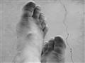 Toes B&W