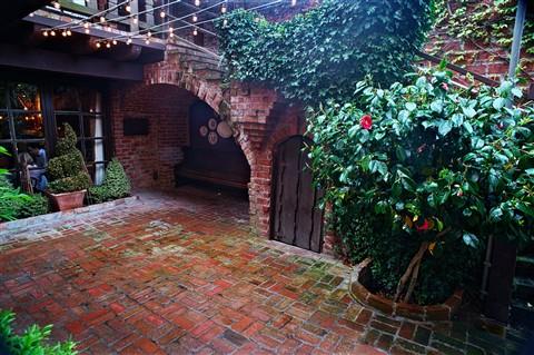 El Paseo Courtyard