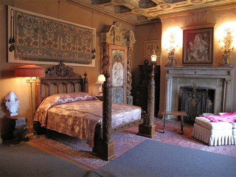 Hearst Castle bedroom IMG_0247