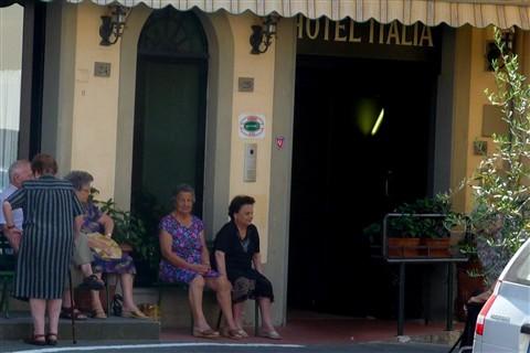 Tuscan women