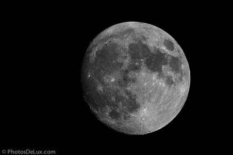 Fuji X-Pro1 Moon Raw