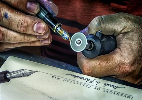 Grinding an Italic Nib challenge BA150490