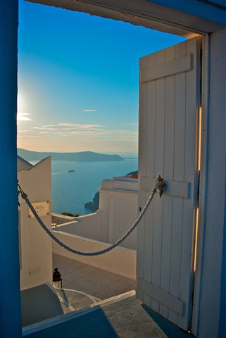 Santorini_Open_Door