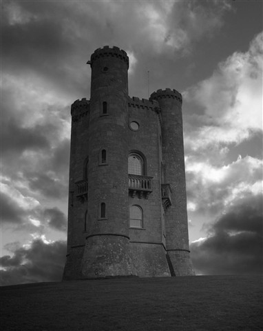 AR 004 Stormy Broadway tower 10 x 8