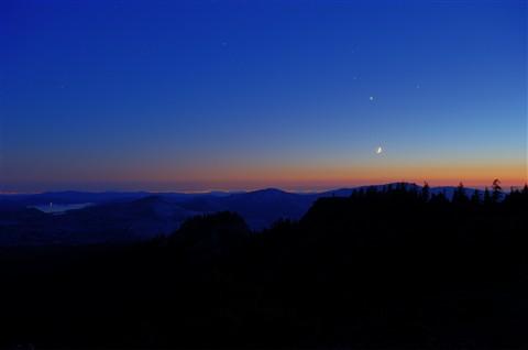 Mars Saturn Venus & Crescent Moon, Sacramento Valley