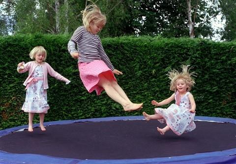 98135543.3tLa5KW0.trampoline01