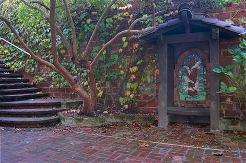 El Paseo Courtyard 4