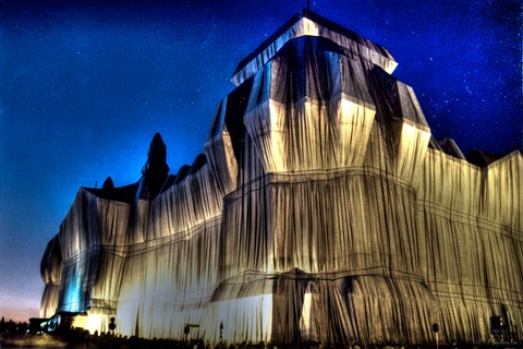 berlin, reichstag wrapped by christo 1994