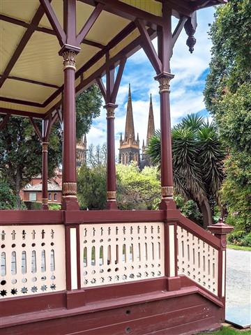 20120926 Parliament gardens (13s)