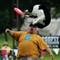 2011-06-19 12-43-32_01 dog frisbee 3