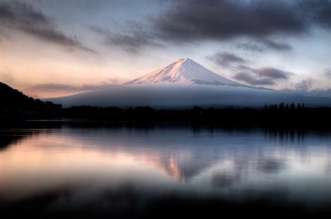 Fuji HDR 2