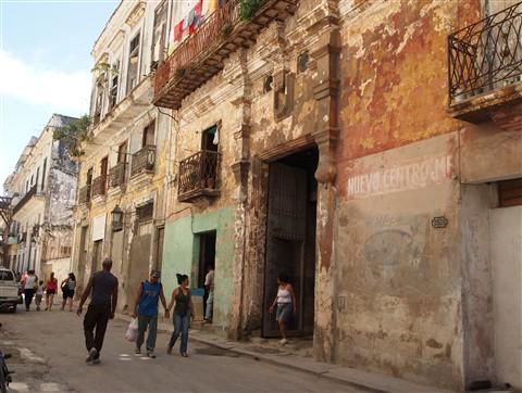 Street in non-restored Old Havana