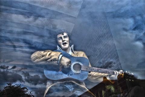 Elvis in window res