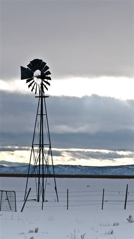 Windmill_MadelineCA_Snow_1XS_011308_16_9_reduced