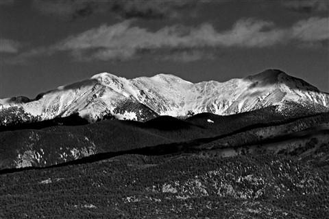 2012-01-27_16-36-48 • NEX-5N + Telyt 560 5.6 - Truchas Peak_00_B&W