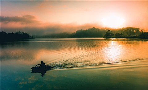 morning fog on Xuan huong Lake