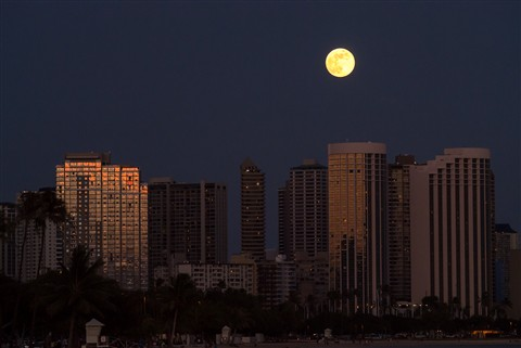 Moon over Ala Moana Beach Park, Honolulu