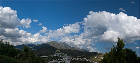 A cloudy sky [1280x768]
