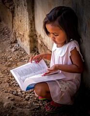 Girl Reader-8112