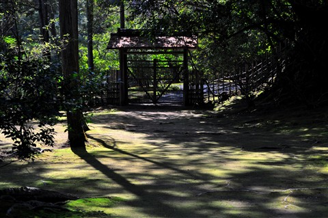Ryoan-Ji temple garden back gate, Kyoto