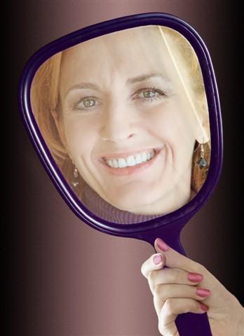 SFW-amy-mirror