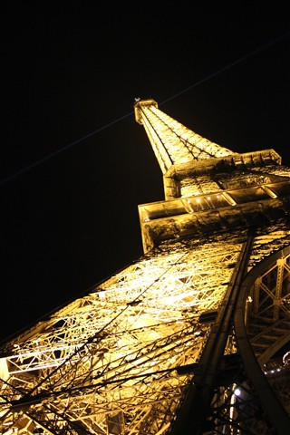 The Eifeltower at night 3