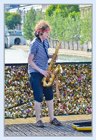 Playing for the lovers of Pont des Arts - Paris