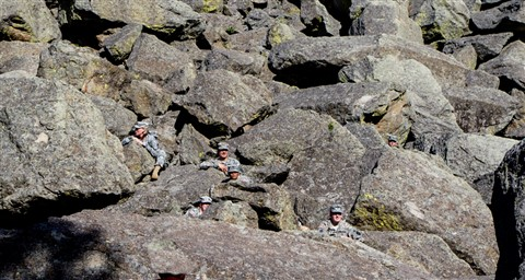 soldiers-on-the-rocks2