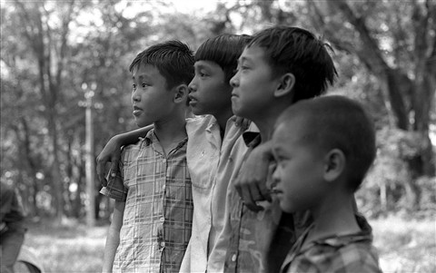 Saigon 1969 four boys in park