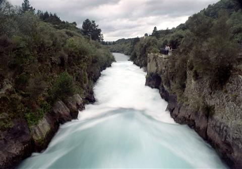 New Zealand_Waikato River_a
