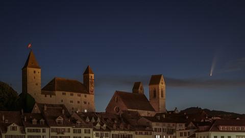 castle-church-comet