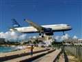 jetBlue landing at St Maarten