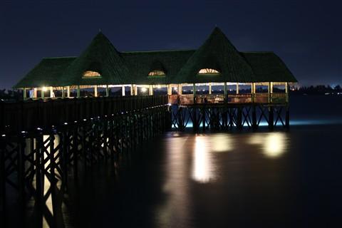 A night over the calm ocean