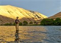 Flyfishing for steelhead / Deschutes river
