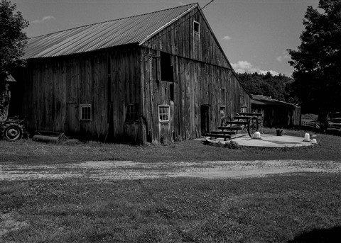 GR Montague LR barn jpeg BW-